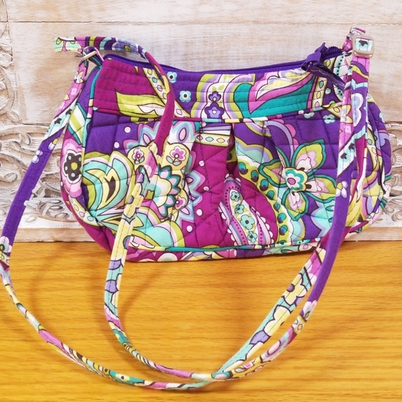 011fcd412b Vera Bradley Heather Print Frannie Crossbody Bag. M 5af455e6d39ca275ab93f772